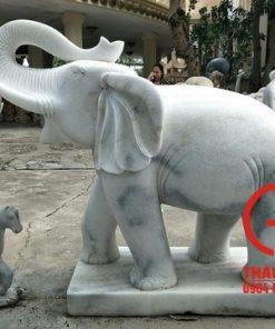 Tượng voi bằng đá cẩm thạch nguyên khối