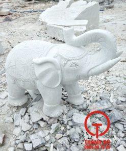 Tượng voi đá cẩm thạch