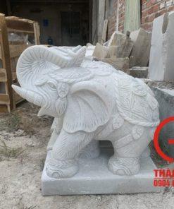 Tượng voi phong thủy bằng đá trắng