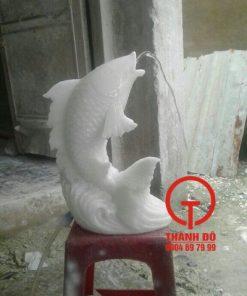 Tượng cá chép phun nước