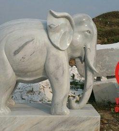 Tượng voi phong thủy đá cẩm thạch nguyên khối
